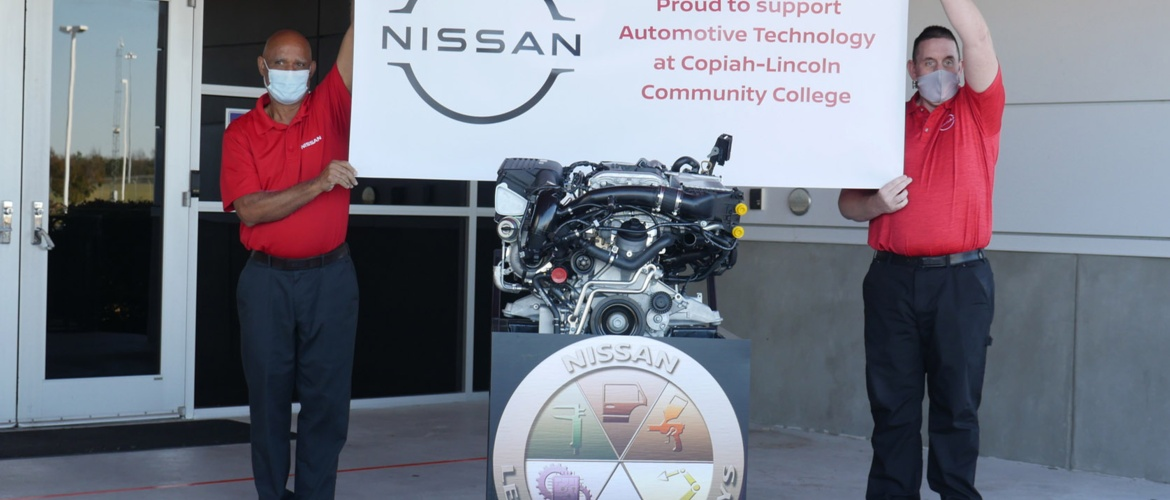 Nissan makes donation to Co-Lin's automotive technology program Picture